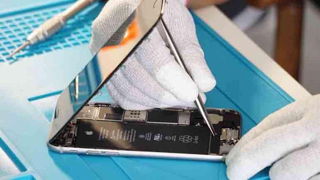 Des Milliers de réparations d'écrans , batteries , chargeurs, déjà réalisés  par nos techniciens